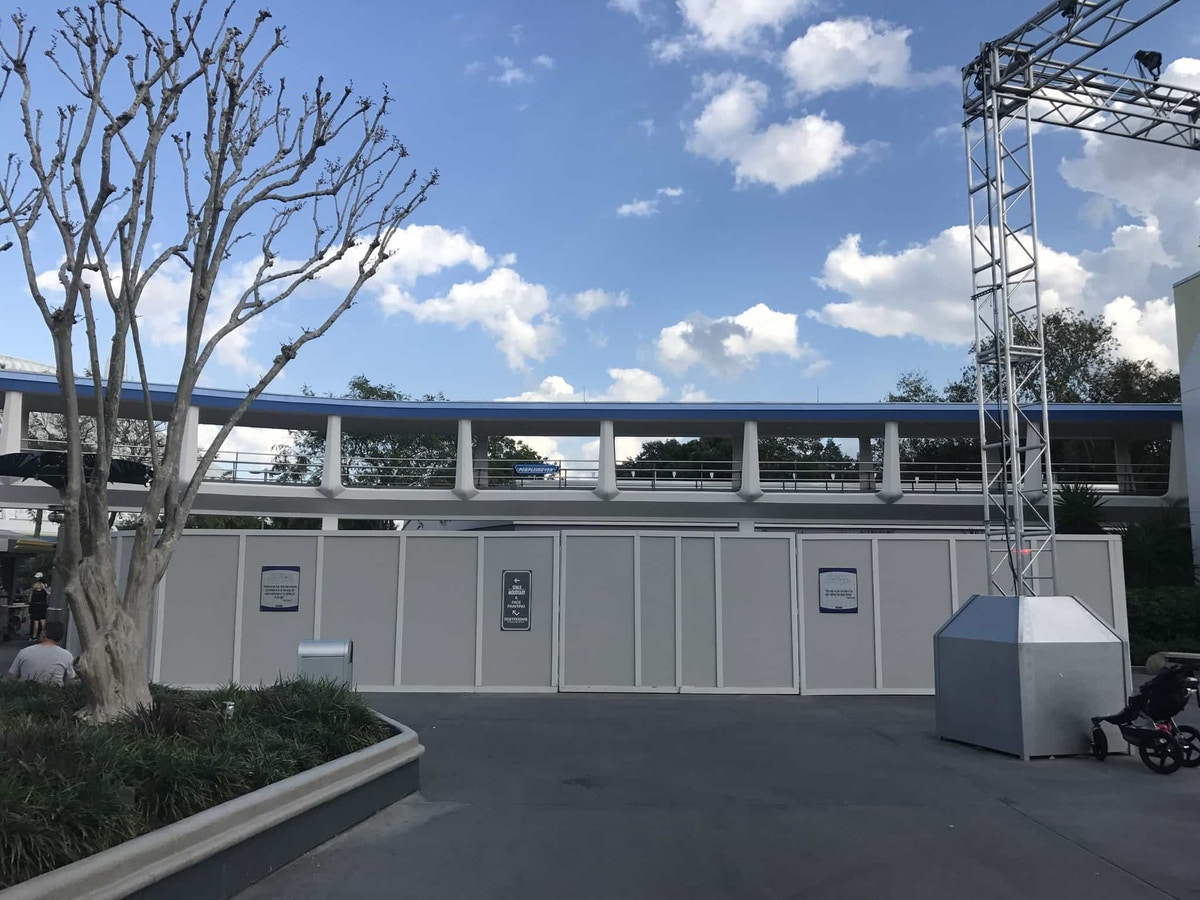 The Joffrey's Coffee kiosk's location near Space Mountain and the Tomorrowland Stage.