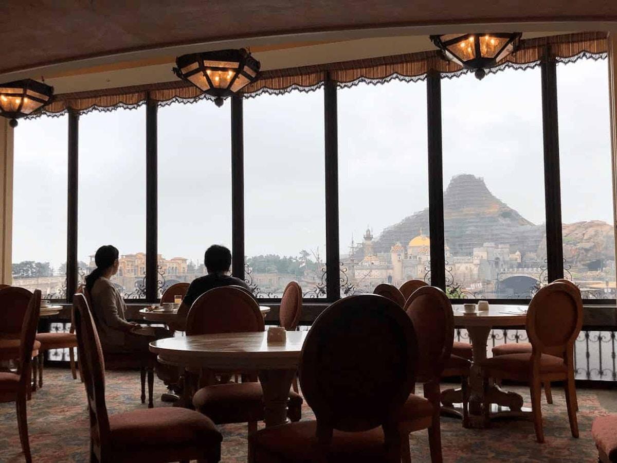 Bella Vista Lounge Windows by Joshua Meyer