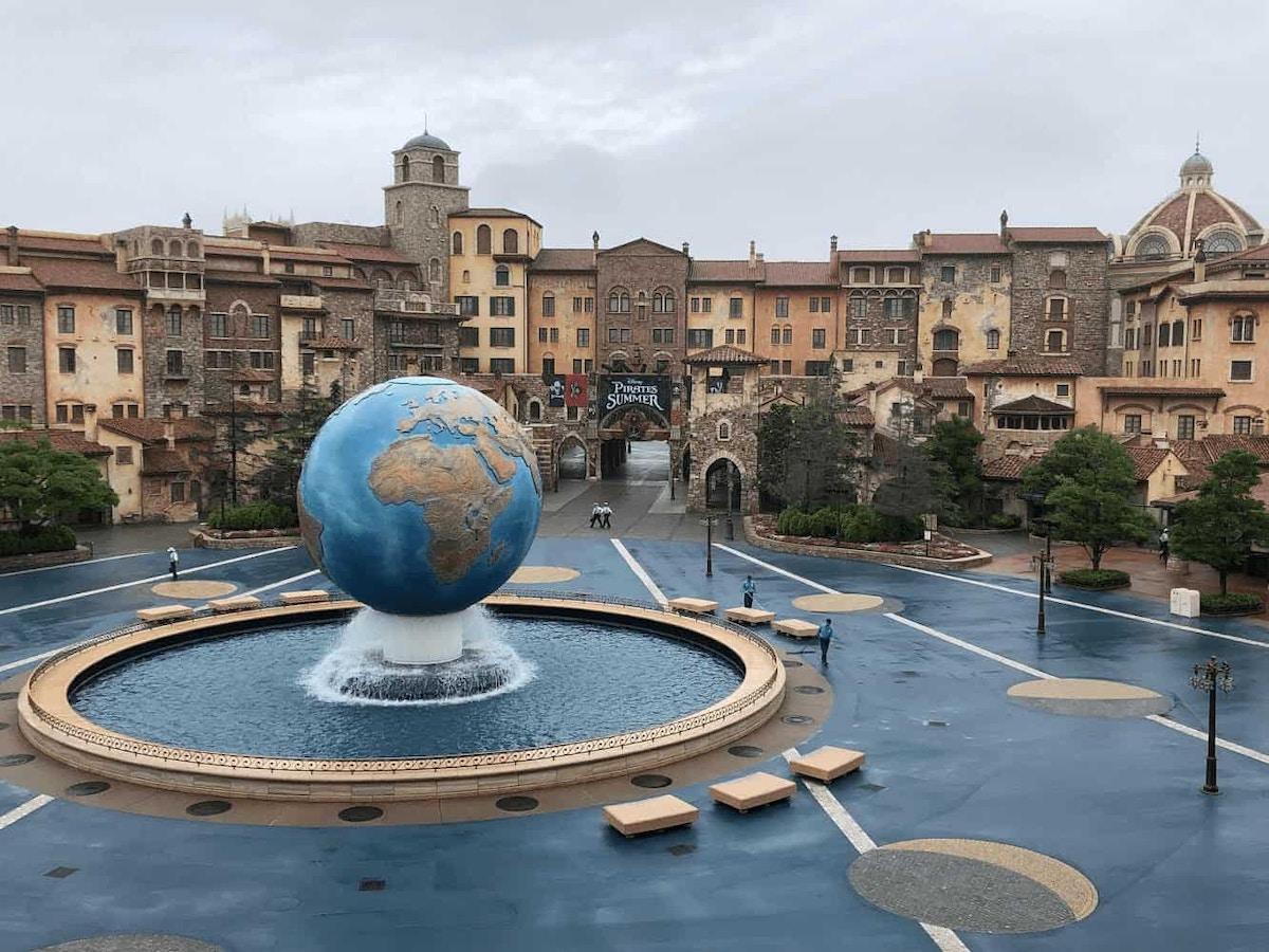 Tokyo DisneySea Aquasphere Plaza by Joshua Meyer