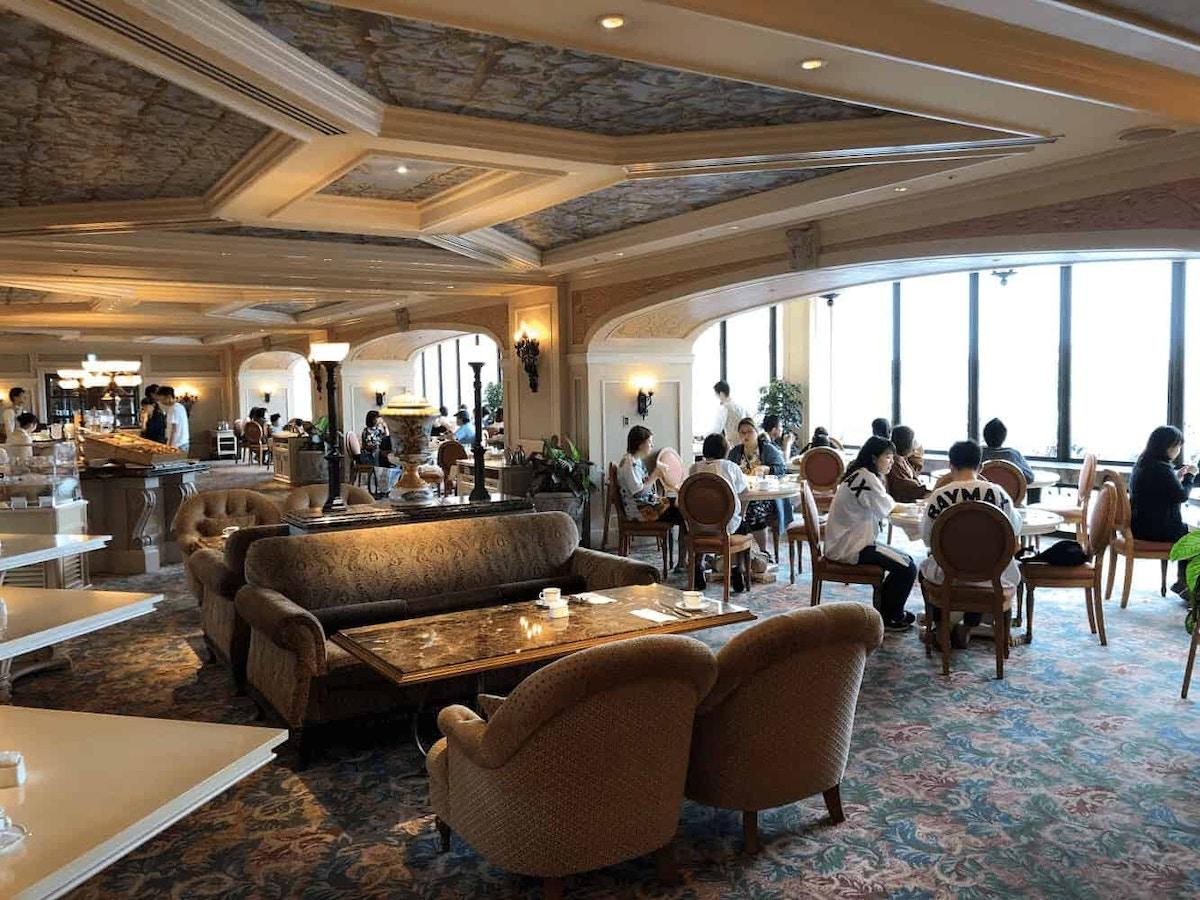 BellaVista Lounge by Joshua Meyer