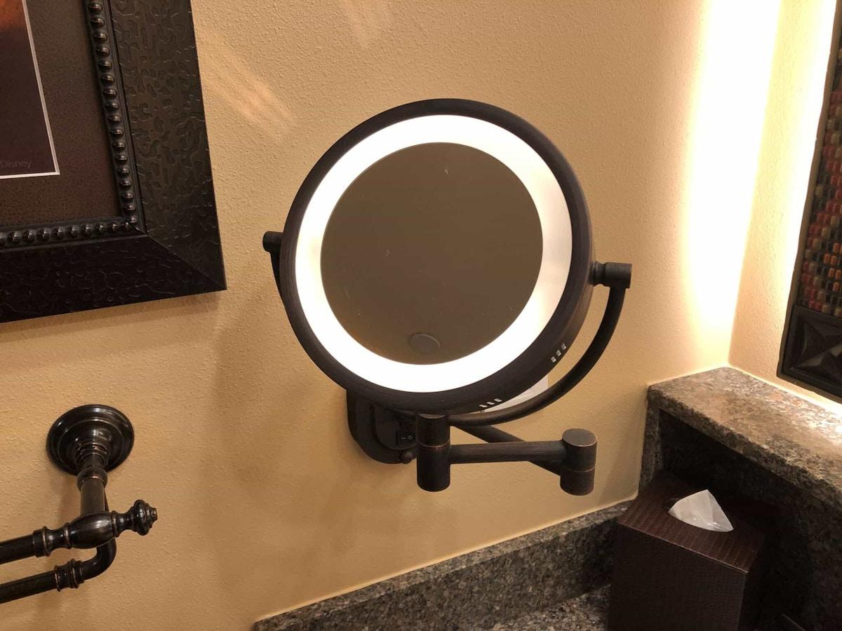 light up make up mirror