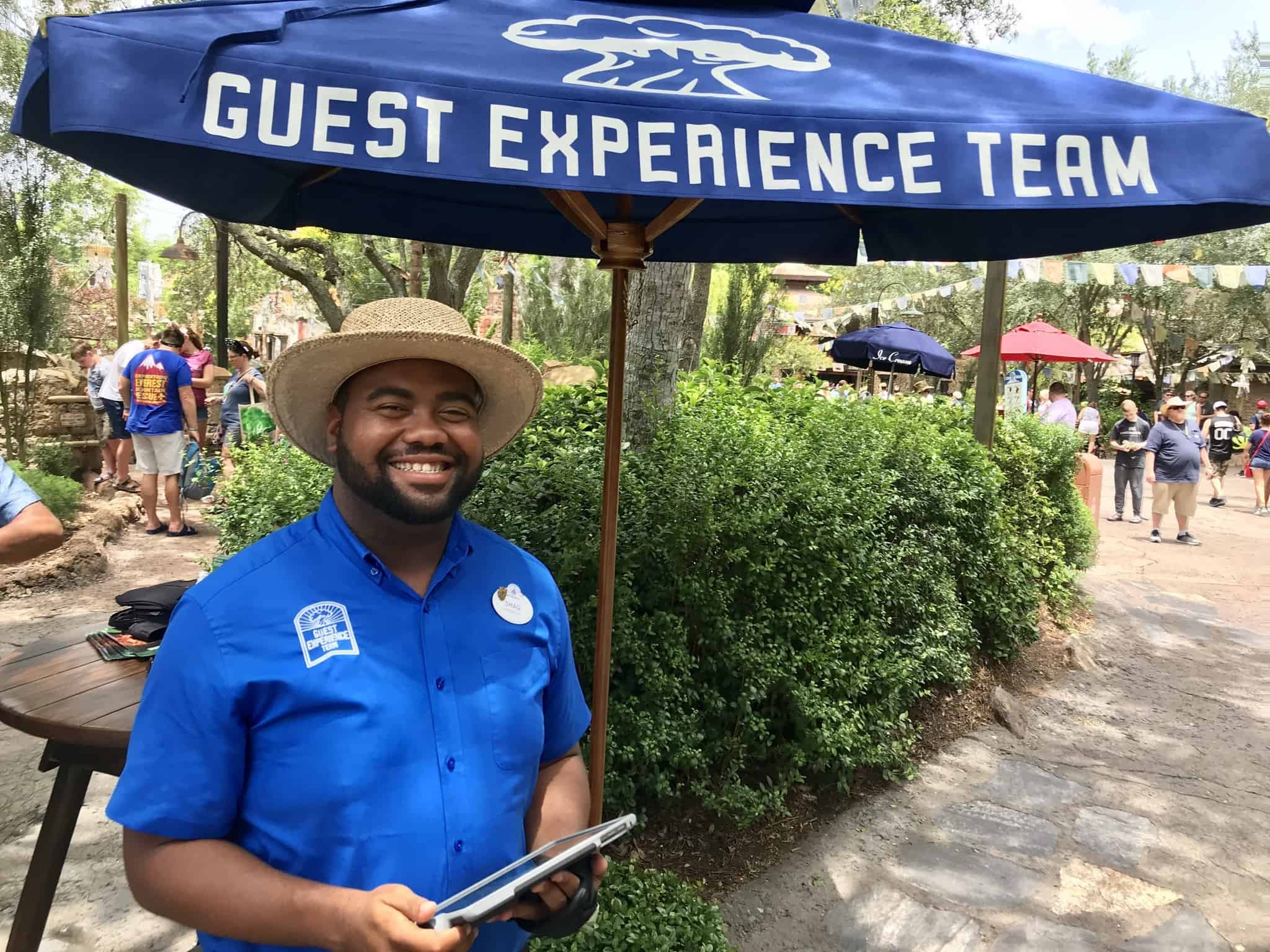 animal kingdom guest experience team