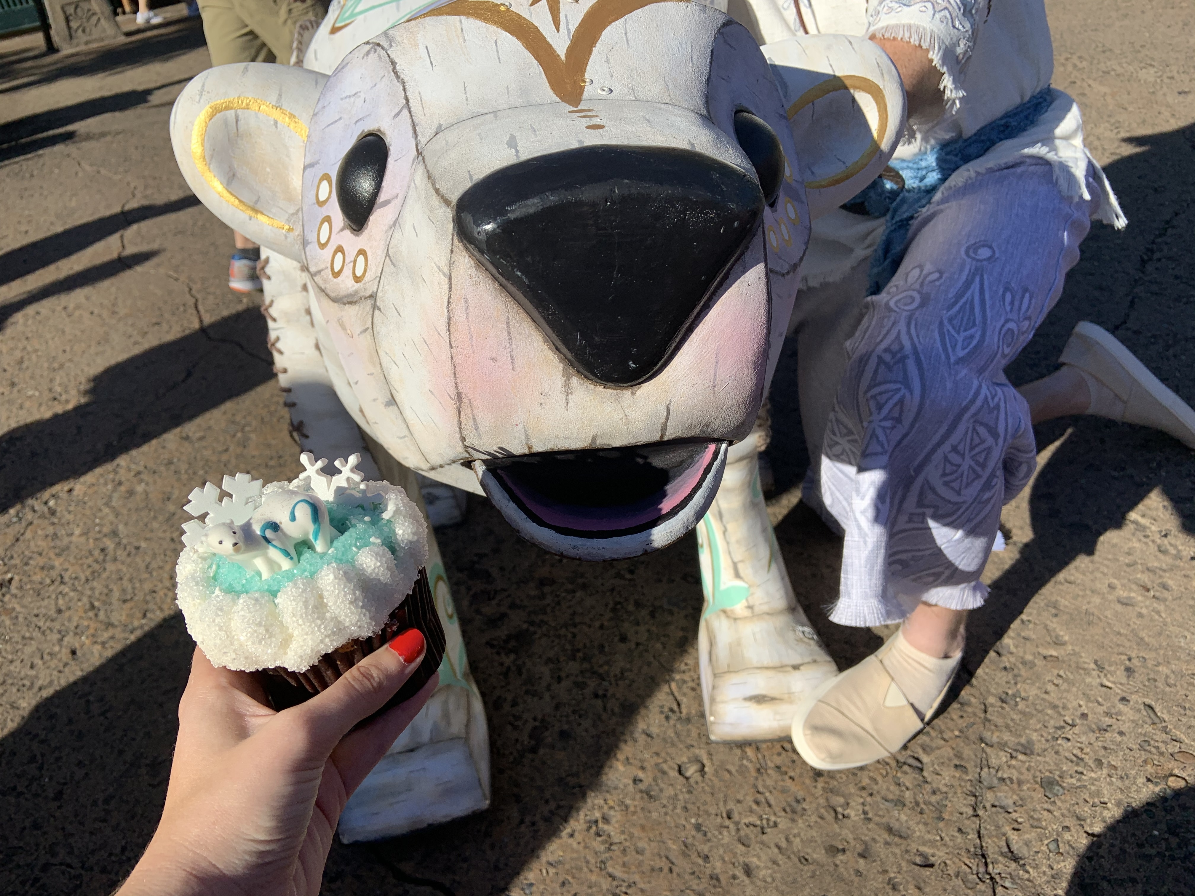 Merry Menagerie cupcake 12/7/19 5