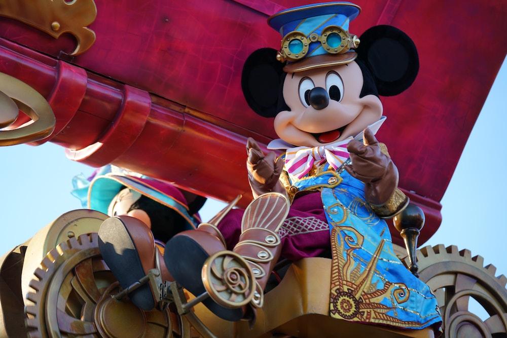 disneyland paris stars on parade mickey mouse