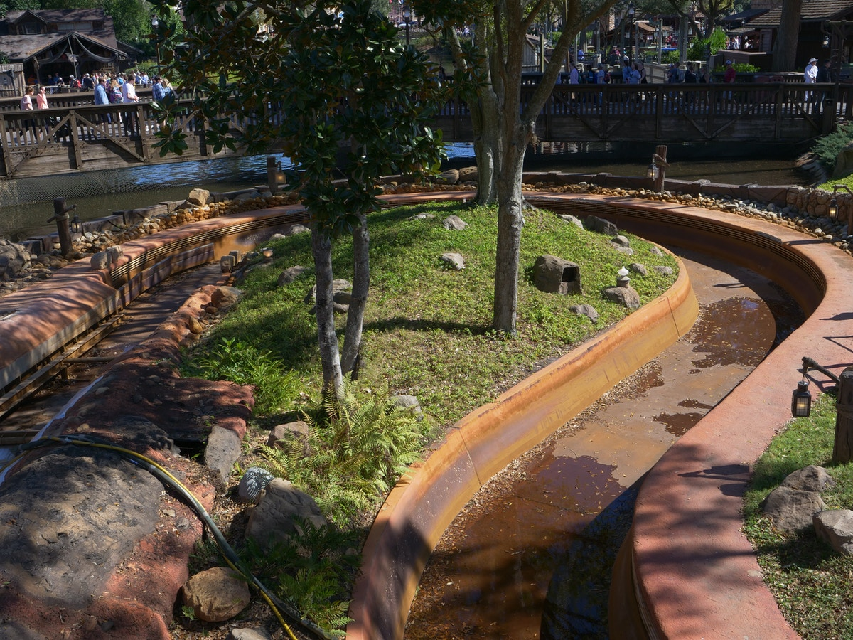 Splash Mountain Drained Track
