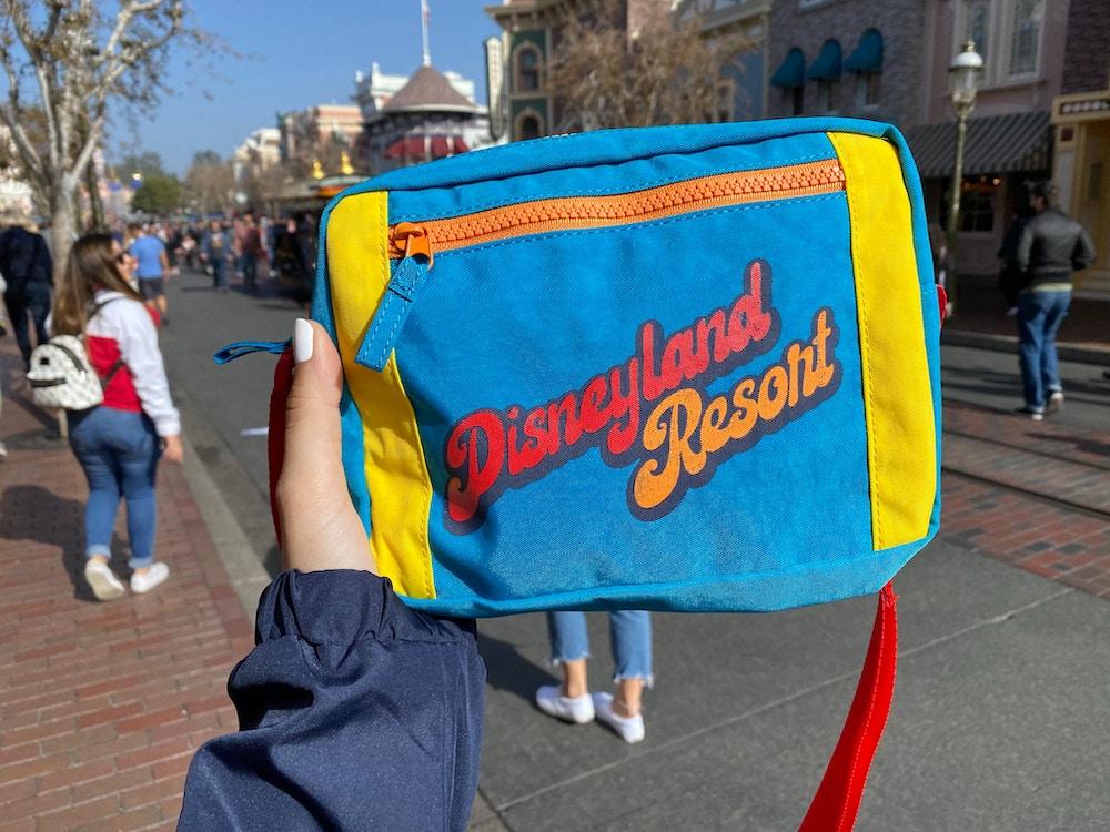disneyland-retro-merchandise-01-25-2020-fanny-pack-2.jpg