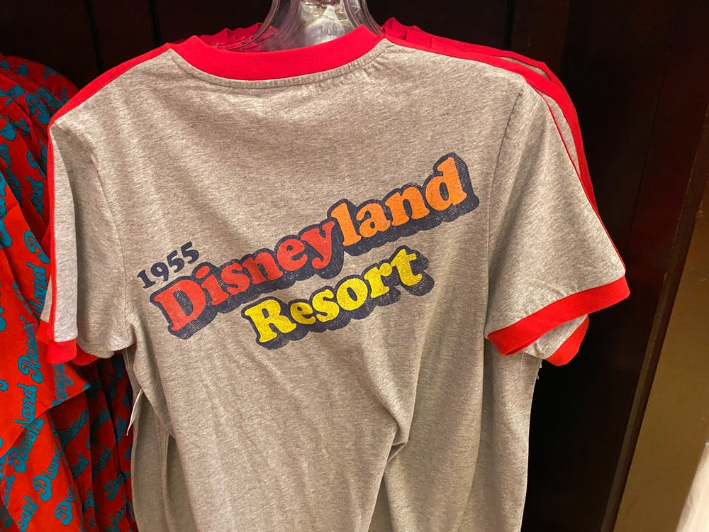 disneyland-retro-merchandise-01-25-2020-shirt-back.jpg