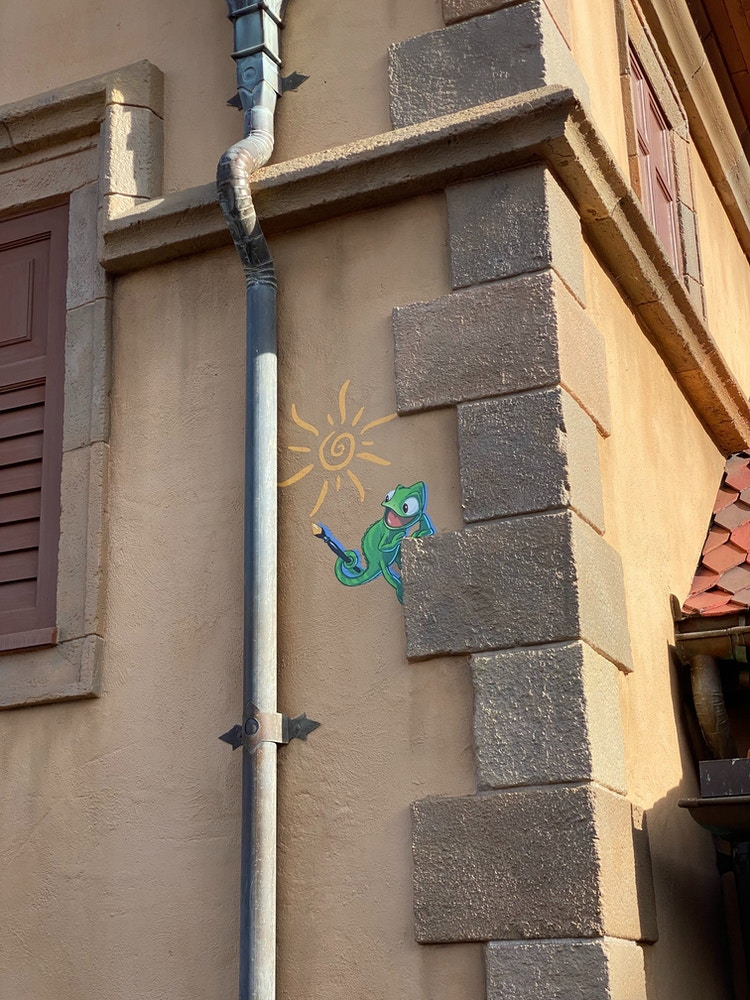 epcot-wall-art-pascal.JPG