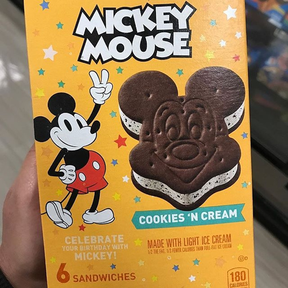 mickey-ice-cream-cookies-n-cream-grocery-01-12-2020-in-store.jpg
