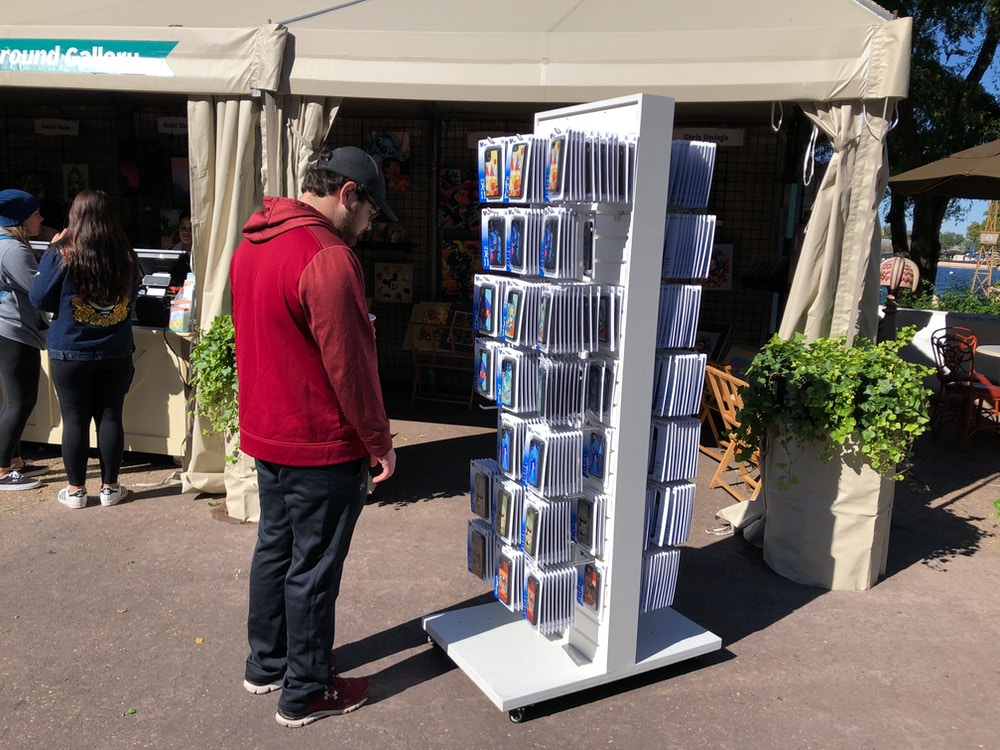 festival of the arts phone case stand