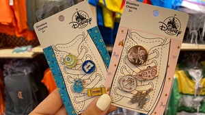pins-and-shoelace-charms-disneyland-01-30-2020-1.jpg