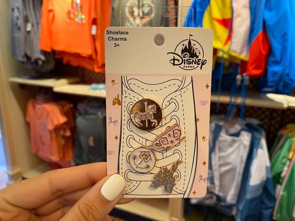 pins-and-shoelace-charms-disneyland-01-30-2020-3.jpg