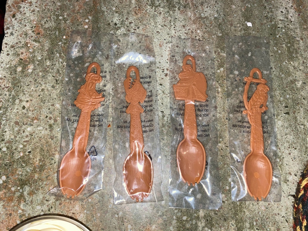 tropical-hideaway-tiki-bowl-sporks in wrappers