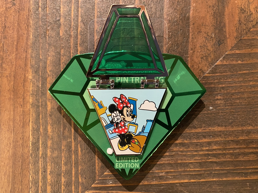 Limited edition Minnie pin