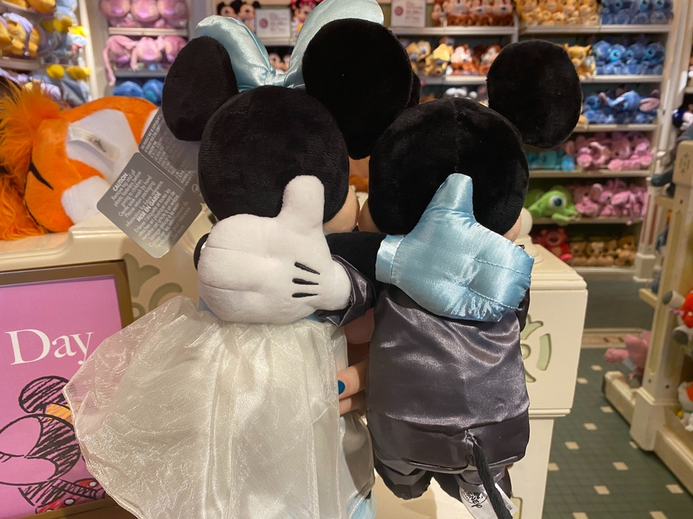 Mickey-and-Minnie-Mouse-Wedding-Plush-02-01-2020-1.jpg