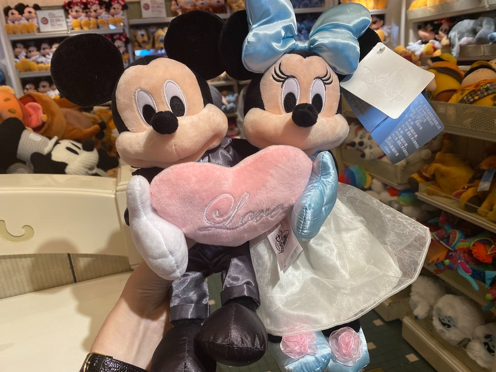 Mickey-and-Minnie-Mouse-Wedding-Plush-02-01-2020-5.jpg