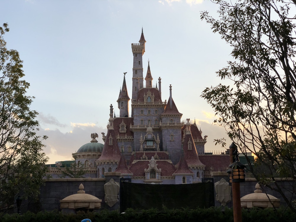 Photos Beast S Castle Fully Revealed Lights On In Happy Ride With Baymax At Tokyo Disneyland S New Fantasyland 2 6 20 Wdw News Today