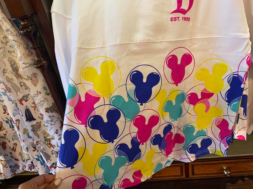 disneyland-spirit-jersey-lavender-balloon-02-23-2020-6.jpg