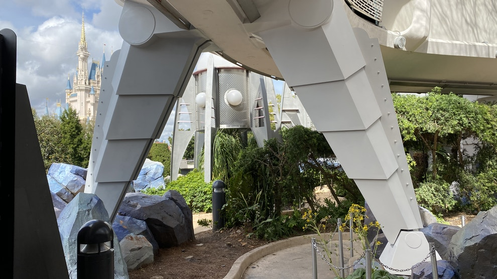 tomorrowland supports painted refurb