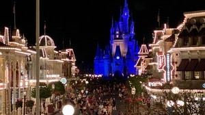 Disneyland Walt Disney World Closed