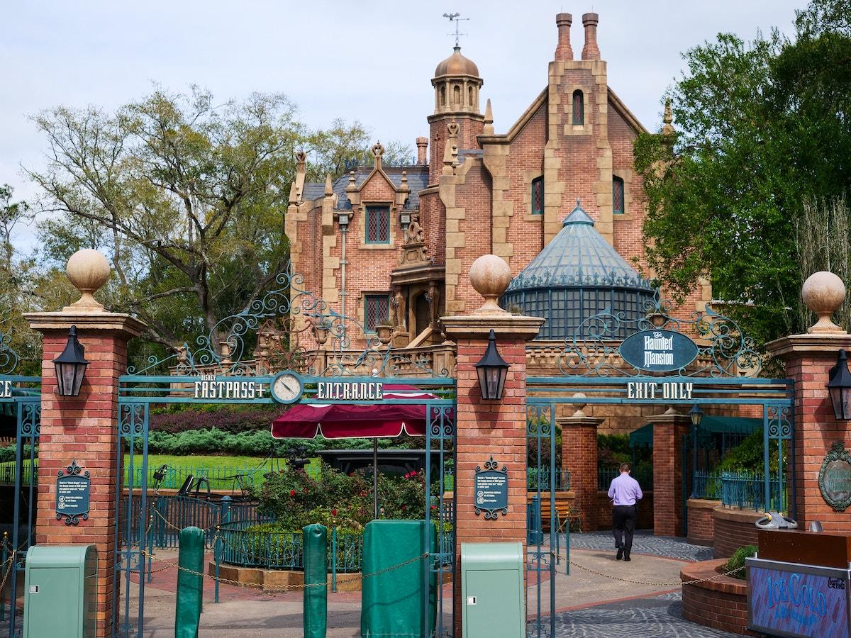 Haunted Mansion Closed