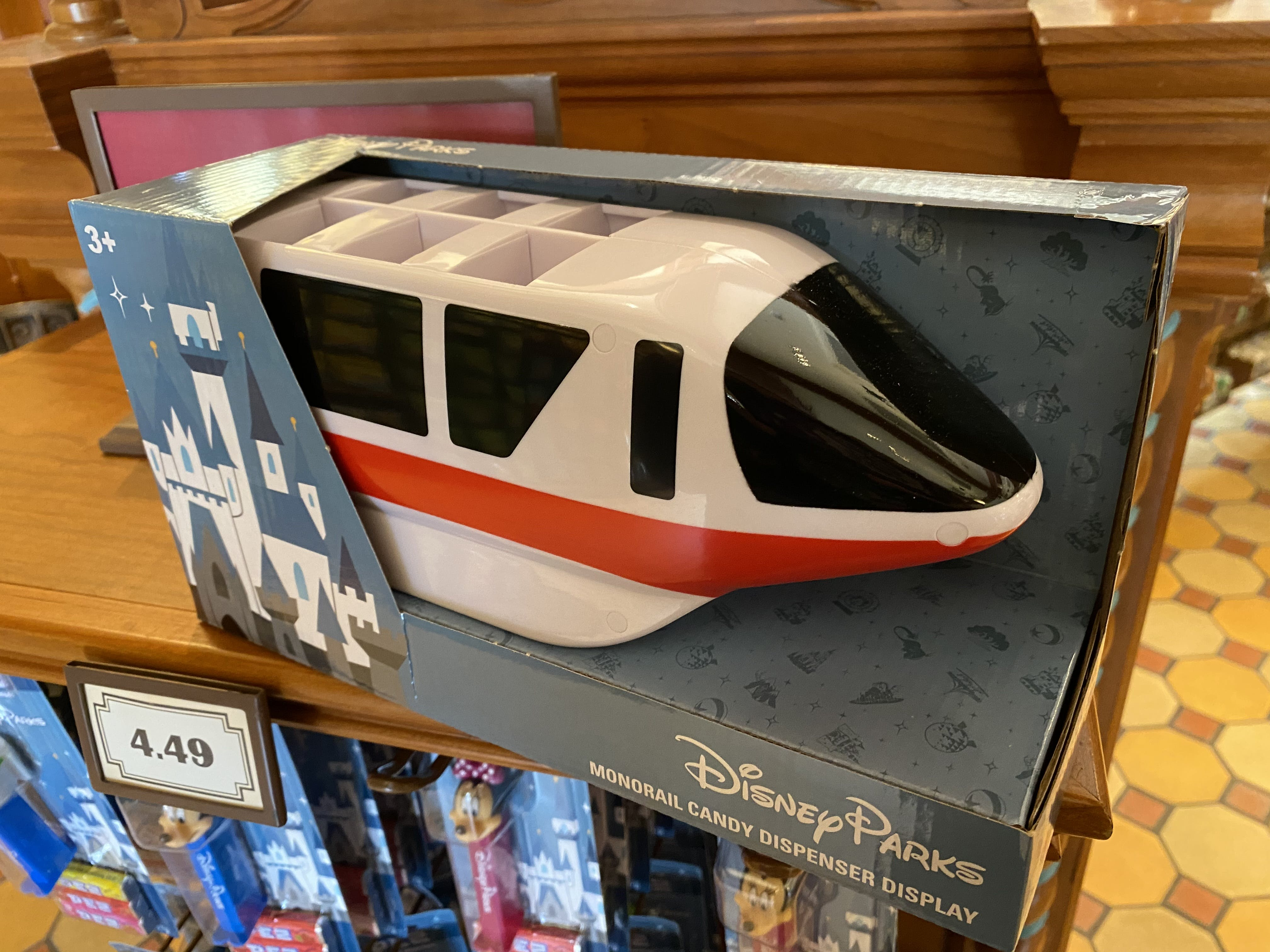 All 8 Disney Parks Exclusive Pez /& Both Blue /& Red Monorail Display Holders Mint
