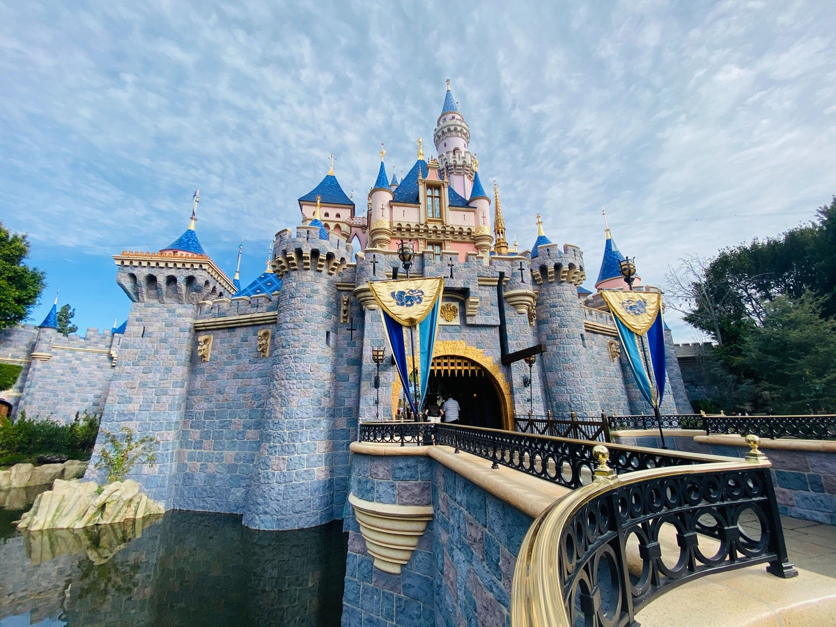 """Disneyland Resort Labor Relations Leadership Meeting With Union Leaders; Furloughs Reportedly """"Going to Happen"""" - wdwnt.com"""